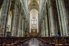 Amiens Cathedral - Nave to High Altar (Le Monde1) Tags: france nikon cathedral unesco notredame nave amiens romancatholic picardie highaltar picardy worldheritagecentre d7000 lemonde1