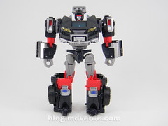 Transformers Trailbreaker Deluxe - Generations Takara - modo robot (mdverde) Tags: deluxe transformers generations takara autobots trailbreaker trailcutter