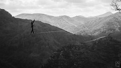 Highlining au Pays Basque (Philippe Bncvng) Tags: blackandwhite mountain france montagne walk altitude country balance slack slackline highline pyrnes paysbasque bask sudouest vertgo
