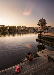 Sunrise in Pichola lake (Cam_Buff) Tags: travel lake reflection tourism sunrise canon temple dawn indian earlymorning taj palace wanderlust wander rajasthan breaking pichola rajastan reflectiononwater waterbody indianfolklore photographycanon canon60d