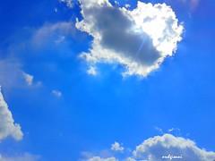 blue rays (archgionni) Tags: blue sky sun white hot nature clouds blu natura rays sole bianco raggi caldo