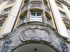 Chur (micky the pixel) Tags: building window schweiz switzerland suisse fenster chur gebude fassade erker torbogen graubnden grischuna bankgebude