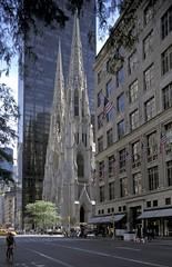 foto19837 (Archigraphie Steffen Vogt) Tags: city usa newyork church architecture town manhattan kirche stadt architektur neogothic amerika stdte stpatrickschurch neogotisch