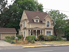 Victorian house | Silverton, Oregon (eg2006) Tags: house architecture oregon silverton victorian oldhouse victorianhouse silvertonoregon