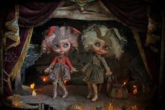 Brigitta & Brunilda (Rebeca Cano ~ Cookie dolls) Tags: art teatro doll theater blythe custom brigitta errante medianoche errant brunilda multiverso multivers cookiedolls rebecacano