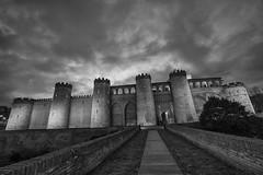 Castillo de la Aljafera. Reto Fachadas (Photo Sonntags) Tags: haiku monumento zaragoza castillo palacio iltrovatore laaljafera