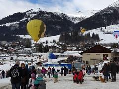 Fte du ballon  Chteau d'Oex (Histoires de tongs) Tags: voyage trip travel travelling schweiz switzerland europe suisse roadtrip adventure explore visiting visite roundtheworld discover aventure tourdumonde