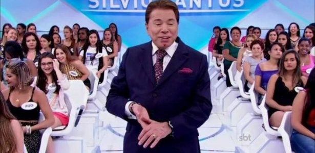 Silvio Santos sofre corte no queixo durante gravação de seu programa