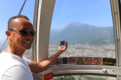 Stu @ Tlphrique (Meteorry) Tags: city summer portrait urban mountain man france male guy film face sunglasses june montagne grenoble europe tube bubbles cablecar eggs t vercors bulles monsieur moucherotte homme visage massif 2015 tlphrique isre stewartleiwakabessy rhnealpes meteorry gopro massifduvercors grenoblealpesmtropole auvergnerhnealpes tlphriquedegrenoblebastill