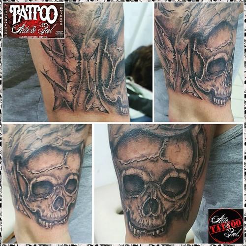 Tatuajes En El Brazo Sombras skull #calavera #brazo #sombras #blackandgrey #tattooarteypiel