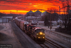 Sunrise in Fostoria, Ohio (Brandon Townley) Tags: railroad ohio sunrise frost trains grainelevator smalltown fostoria csx irontriangle autoracks