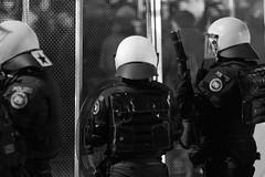 Demonstration fr Solidaritt mit Flchtlingen (Claude Schildknecht) Tags: demo europe suisse zurich police places demonstration zrich polizei manifestation solidaritt flchtlingen