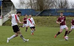 Graham Mort drills a ball into the danger zone (Stevie Doogan) Tags: park west scotland scottish first super juniors division league holm clydebank bole maybole bankies mcbookiecom