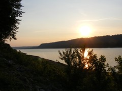 Ohio River at Sunset (Fleur-de-louis) Tags: sunset usa water river kentucky ky westpoint ohioriver waterway