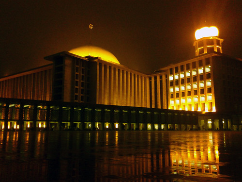 Istiqlal on the night