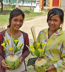 Offerings (Jom Manilat) Tags: cambodia moi wat roi offerings sambon