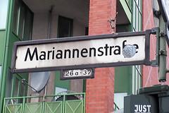 498 Mariannenstrae (Alte Wilde Korkmnnchen) Tags: berlin kreuzberg just streetyoga joyfox korkmnnchen corklittleman