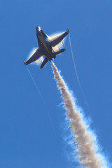 Blue Angels (Norman Graf) Tags: smoke airshow condensation vapor tacticaldemonstrationteam 2015blueangels 2015mcasmiramarairshow