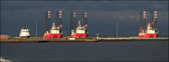 Outer harbour - Great Yarmouth (barrycross) Tags: sea industry cross harbour fb ships great north panoramic gas cover barry oil yarmouth facebook drilling