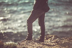 Sea side (Laully's) Tags: light boy sea sun mer cinema man france nature canon soleil europe exposure mark lumire hiver iii exposition passion pause rayon cinematic reflets var personne beau calme sud homme beautifull garon journe organique profondeur markiii cinematographic regarde gaou boket
