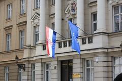 banderas croata y europea (javierortegaferrandez) Tags: bandera