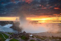 Sunrise over Niagara (sarah_presh) Tags: morning usa sun newyork canada sunrise niagarafalls october glow roadtrip niagara horseshoe horseshoefalls americanfalls nikond7100