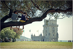 Guardando il Mondo da Lassù... (rogilde - roberto la forgia) Tags: world tree portugal children torre child lisboa fantasy fantasia di albero lisbona fantascienza portogallo belém favole favola raccontare raccontami torredibelém theworldofchildren