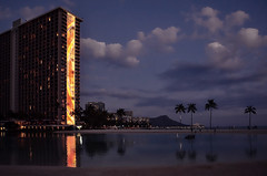 Hilton Hawaiian Rainbow Tower and Lagoon (Steven W Lum) Tags: waikiki diamondhead waikikibeach hiltonhawaiianvillage rainbowtower