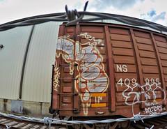 (o texano) Tags: bench graffiti texas houston trains d30 freights wyse a2m benching adikts