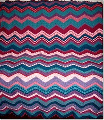 Sue Moran (The Crochet Crowd) Tags: game stitch right blanket afghan throw crochetblanket thecrochetcrowd stitchisright