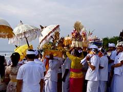 Odalan ceremony . (Franc Le Blanc .) Tags: bali beach lumix religion ceremony panasonic hindu kuta agama odalan