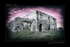 Rudere sul Monte Sant'Elia (Giuseppe Tripodi) Tags: nature ruin hdr rudere giuseppetripodi
