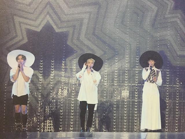 160421 SHINee @ Photobook SHINee World Concert IV 25964575094_134ce83782_z