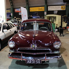 1954 Kaiser Henry J Corsair de Luxe (Davydutchy) Tags: auto show usa holland classic netherlands car j march automobile deluxe nederland voiture henry american bil corsair vehicle oldtimer frise kaiser paysbas friesland niederlande drachten 2016 klassiker frysln pkw klassik frisia automobiel oldtimerbeurs