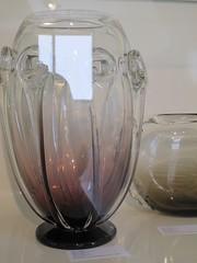 """Vases signs Schneider (vers 1928-1930) - Exposition """"Schneider, les enfants d'une oeuvre"""", muse Mendjisky, Paris XVe (Yvette Gauthier) Tags: paris muse exposition vase verre schneider artdco paris15 charlesschneider matreverrier musemendjisky"""