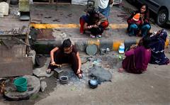 1128 Roadside chit-chat--Old Delhi , India (ngchongkin) Tags: delhi india earthasia wonderfulasia thegalaxy niceasitgets heartawards thelooklevel1red flickrbronzeaward gününeniyisi thebestofday musictomyeyes soe autofocus