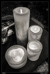 Unas velas (meggiecaminos) Tags: bw espaa stilllife white black blanco spain candles negro streetphotography bn segovia velas bianco nero spagna bodegon candele castillalen castillaylen mercadodelmarquesado