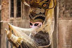 Carnaval Venise 2016-6502 (ousktamitamoto) Tags: carnival venice costumes italy color rouge costume italia mask parade carnaval colored venise carnevale venezia venedig italie masque masques costumi masken maschere ital flanerie masqu costum flnerie vnitien masqus vnitienne costums carnavaldevenise2016