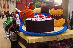 Drme, Chteauneuf sur isre : corso (David Miocne) Tags: cakes kuchen torte gteau koek