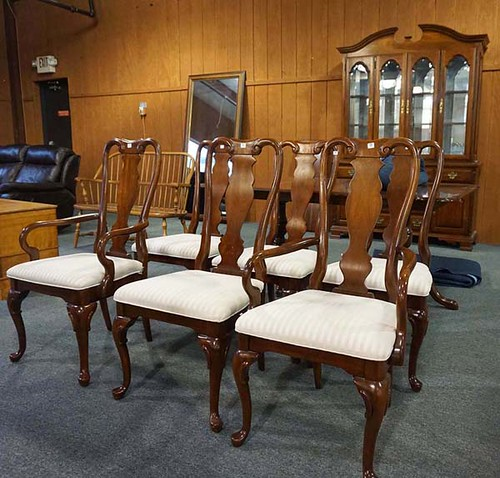 Sumpter Cherry Table & 6 Chairs - $412.50