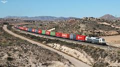 TECO en Agost (lagunadani) Tags: tren sony paisaje alicante 333 3333 a7 contenedores locomotora teco ferrocarril renfe mercante mercancias 333343