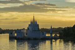 U Bein (joseluisggzz) Tags: sunset atardecer nikon asia burma templo ubein birmania 5photosaday d3300 joseluisggzz