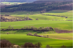 Sunlight . (:: Blende 22 ::) Tags: trees tractor rural germany landscape deutschland licht thüringen spring feld meadow lookout thuringia vista grün landschaft lightshadow schatten sonnenstrahlen springtime eic landkreis eichsfeld ef70200mmf4lisusm canoneos5dmarkii schwobfeld
