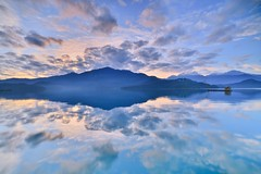 ~~  The Mirror of Sky Sunrise (Shangfu Dai) Tags: sky sun moon lake reflection sunrise landscape dawn mirror nikon taiwan  formosa  d800      samyang14mmf28