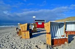 Beach colors (Tobi_2008) Tags: sky beach strand germany deutschland sand himmel ciel northsea sylt nordsee allemagne germania strandkorb schleswigholstein diamondclassphotographer