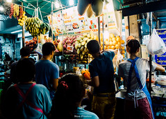 Faceless workers on Khao San Road (Ne Photos) Tags: thailand bangkok international nightmarket nights foodie indochina khaosanroad natgeo flickrexplore southeastchina vscogood flickrbangkok
