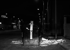 Casi ... (Adisla) Tags: noche olympus basura 1240mm mzuiko epm2