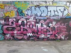 Zebomser & HO.TS (avril 2016) (Archi & Philou) Tags: streetart graffiti australia australie paris13 paintedwall murpeint frigos zebomser
