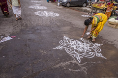 Kolam (Arun Ramanan) Tags: life street morning art magazine photography nikon women madras culture tradition activity kolam asianphotography womensart streetsofchennai incredibleindia triplicane lifeinindia garudasevai tamilnadutourism arunramanansphotography