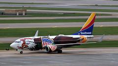 MSP N918WN (Skeeter Photo) Tags: aviation msp special boeing spotting 737 southwestairlines livery b737 737700 kmsp 7377h4 minneapolisstpaulinternationalairport avgeek n918wn illinoisone skeeterphoto phxmsp swa736